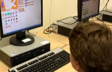 Former les enfants à l'informatique