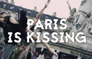 Paris is Kissing