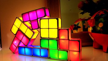 Une drôle de lampe Tetris pour la maison